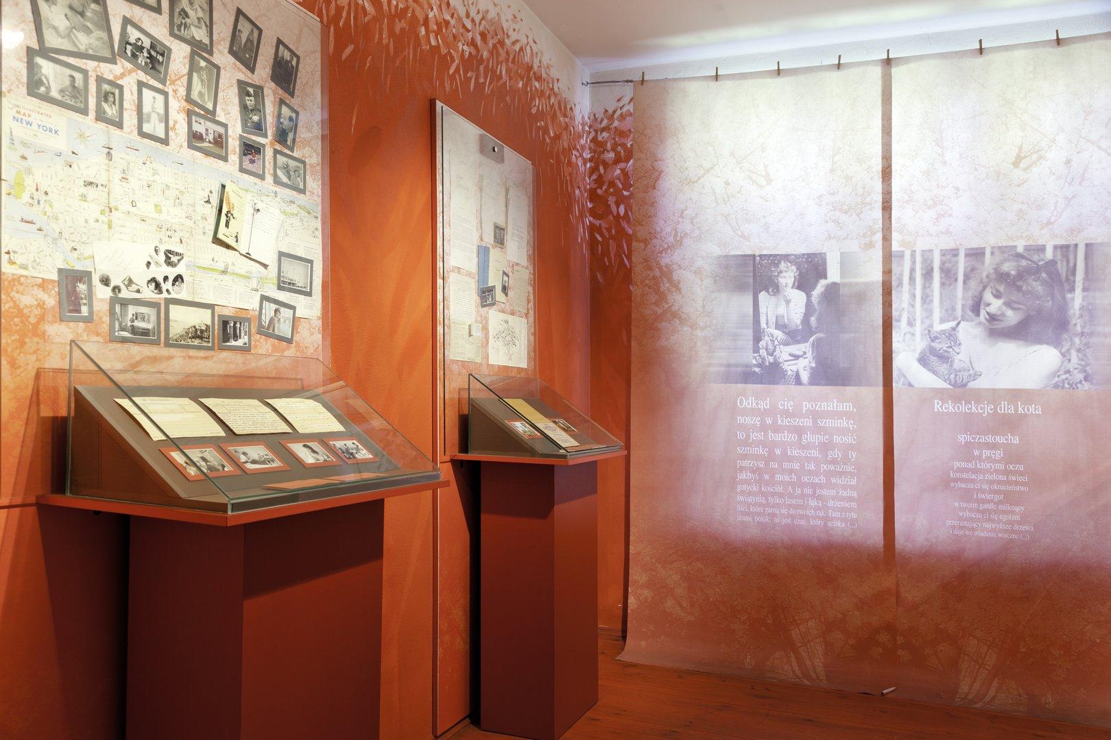 Muzeum Haliny Poświatowskiej W Częstochowie Weg Der Adlern